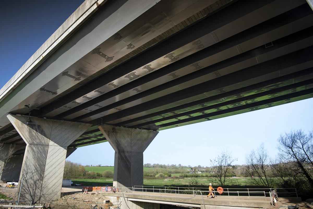 underside of M25 gade valley viaduct showing strengthening plates fitted by bs steels