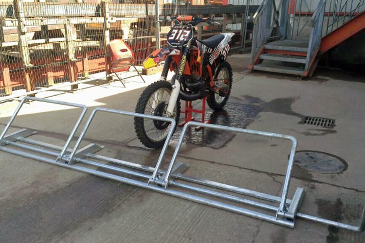 motocross triple starting gate fabricated by bs steels